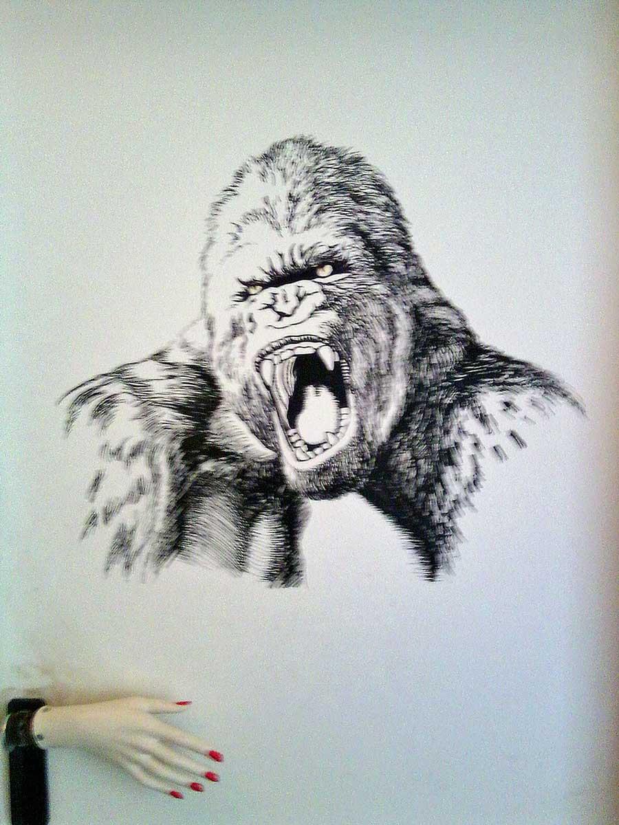 King Kong auf Zimmertür