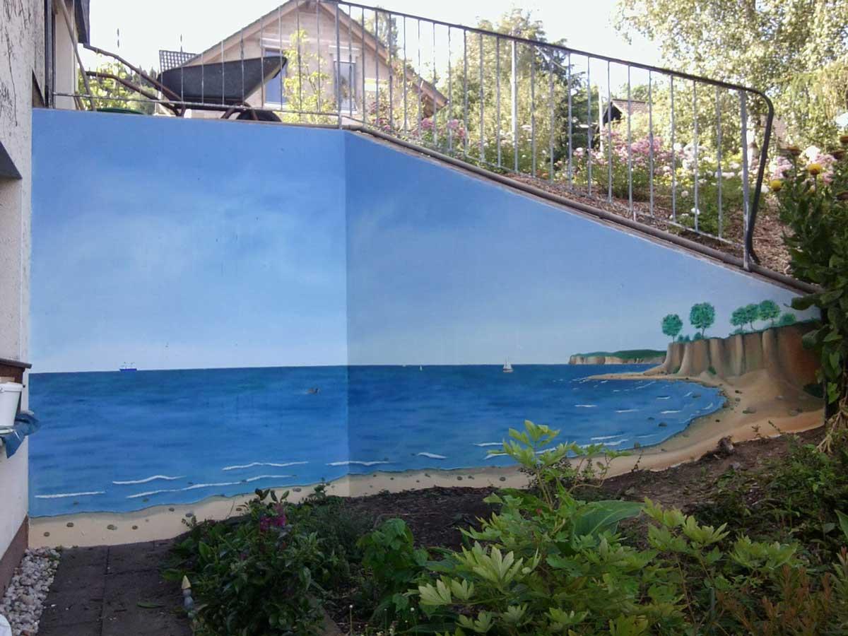 Wandmalerei an Gartenwand