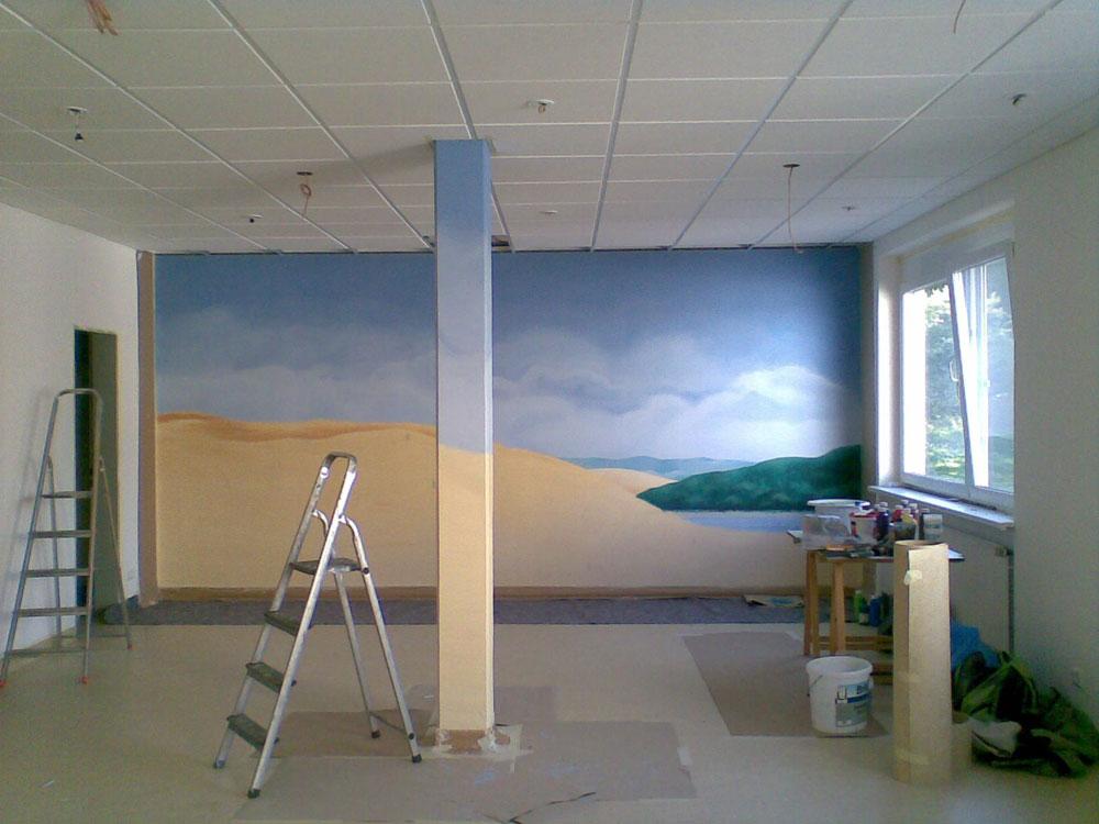 Wandbild im Raum der Stille im Entstehungsprozess