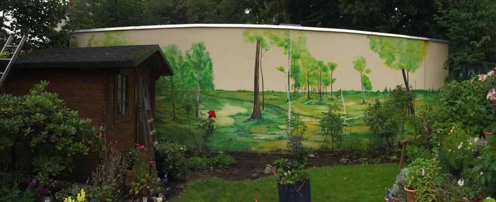 Vorheriges Motiv an Gartenwand